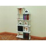 کتابخانه چوبی مربعی
